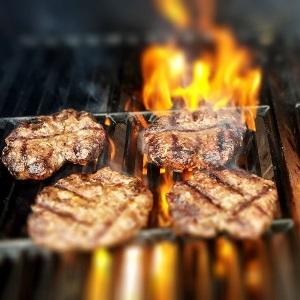 """Foto zur Veranstaltung """"Steak and Burger"""" im Seminar Park Hotel Hirschwang"""